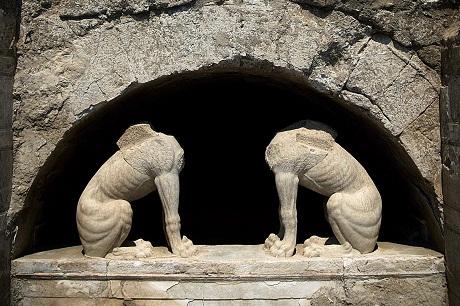 sphinxes at amphipolis