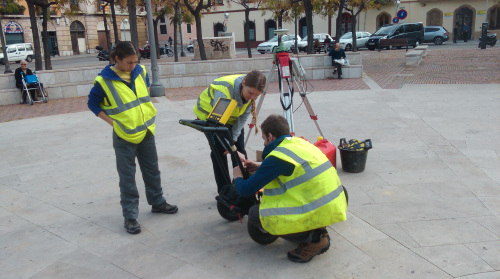 Set up of the GPS and GPR by the University of Southampton team in the Placa dels Carros (K. Stutt, RoMP)