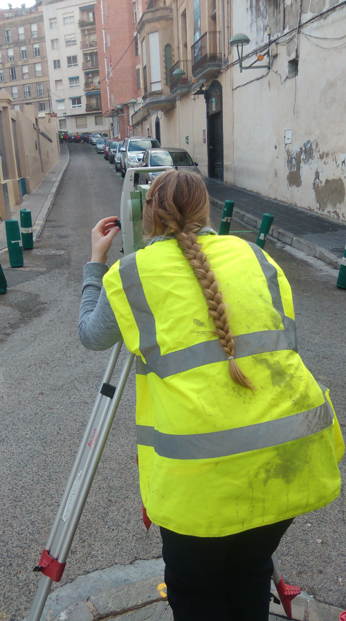 Total station survey in one of the streets of Tarragona (K. Strutt, RoMP)