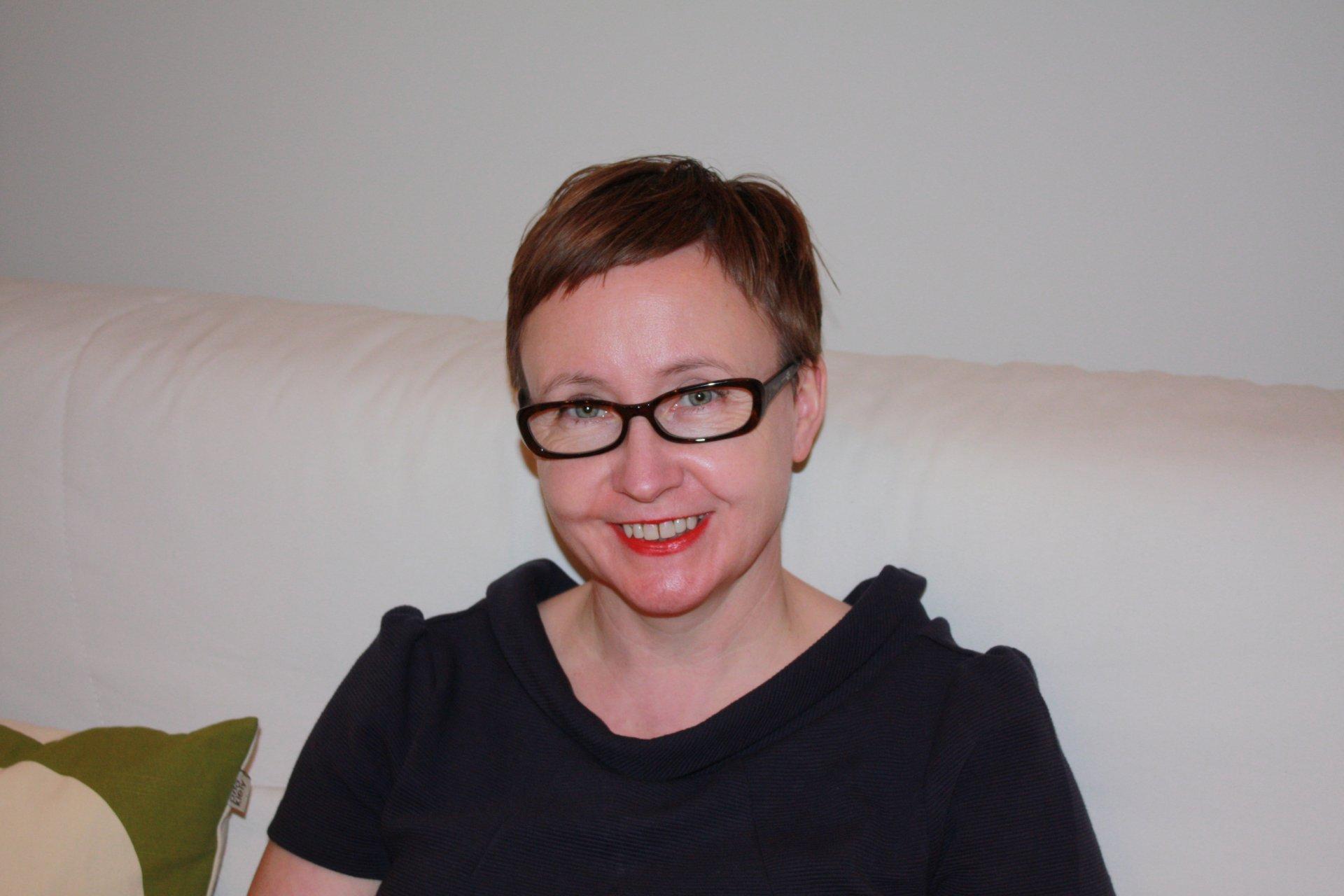 Professor Tracey Warren https://www.nottingham.ac.uk/business/people/lqztw.html